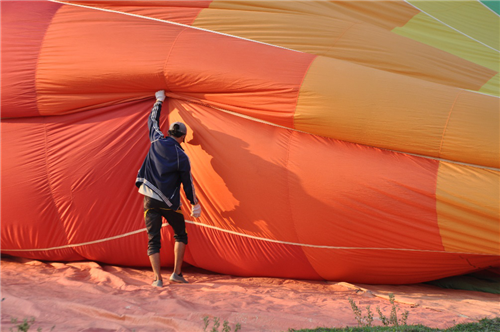 当地玩乐:小城故事多 在万荣做一场亲近自然的热气球梦