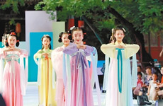 锦绣华年首届大中华少儿汉服艺术节在西安举行