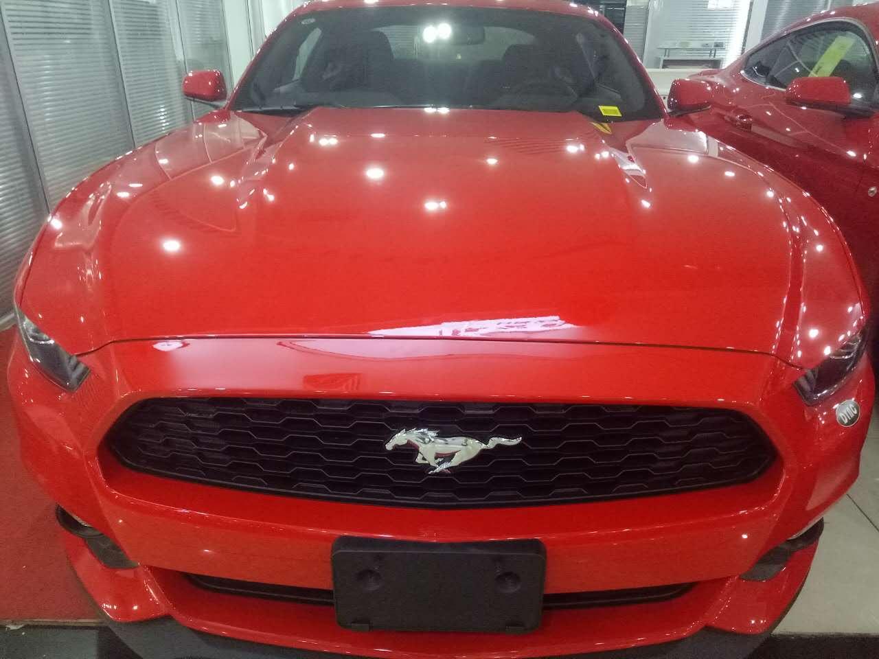 获悉,目前该新款福特野马有大量促销现车在售,新款福特野马颜色高清图片