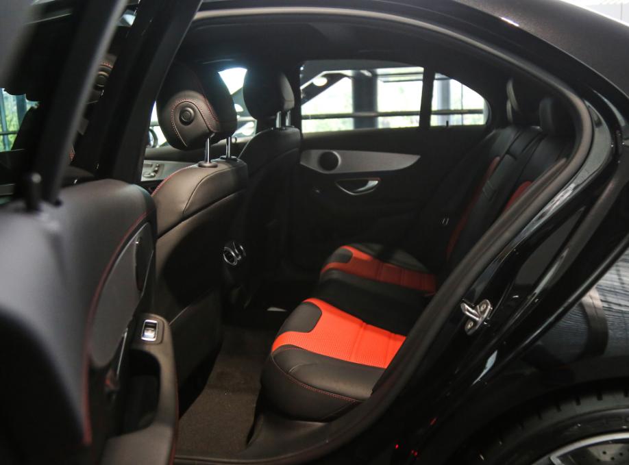 奔驰AMGC63报价 17款C63S特惠价售全国