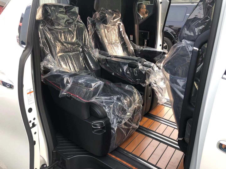 丰田埃尔法改装黑武士版 气息和气场