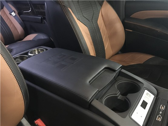迈巴赫VS680价格高?来看这款V250商务奔驰V260进口V250商务MKB现车新春价