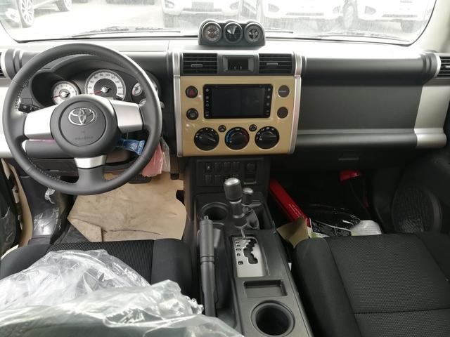 18款丰田酷路泽FJ4000西安现车多少钱?年前购车送装饰豪