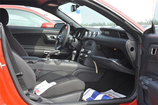 2018款福特野马2.3T敞篷版 津港实促价