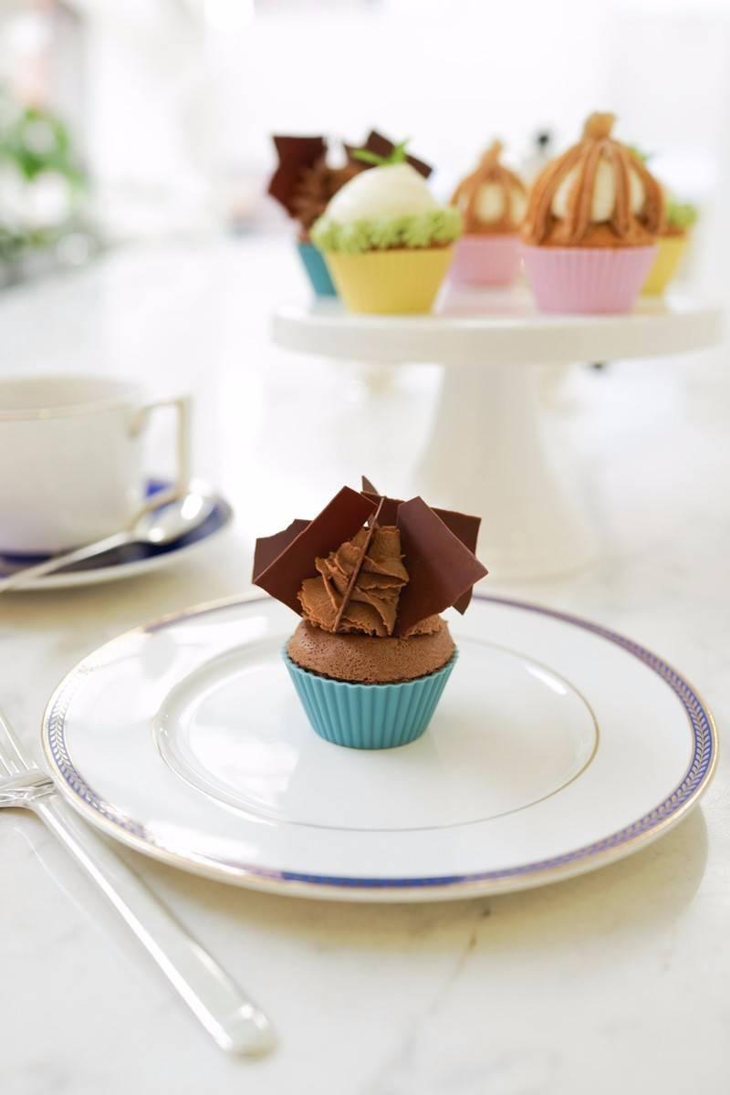 就客如云来,天天客满,这精致的小点心,可爱的小蛋糕,啊,我的心已经化