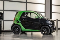smart新两门电动车 最大续航达160公里