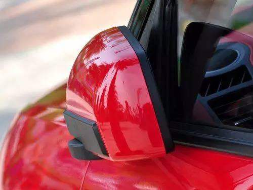 外后视镜电动折叠 外后视镜电动折叠指汽车外后视镜通过电机驱动而