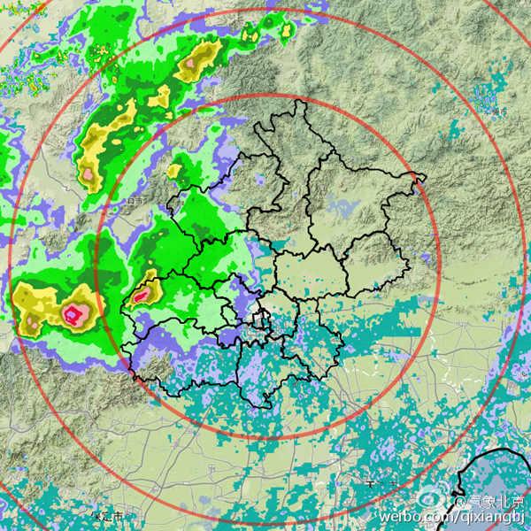 今天17时左右,雷达监测显示,雷雨云团已影响门头沟地区。