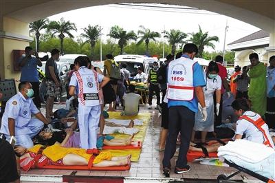 泰国普吉快艇相撞 两中国游客遇难