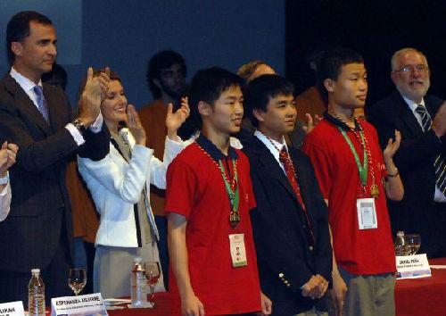 2008年第49届国际奥数赛中国获集体总分第一。新华社发