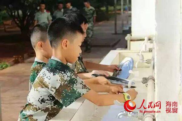 海南夏令营需花家长1个月工资 市场前景广阔_