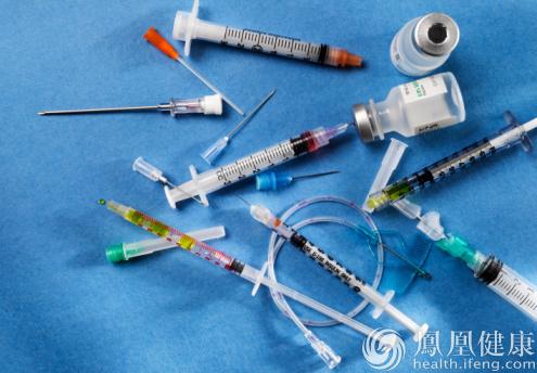 公立医院医疗垃圾流入黑作坊 输液袋等被制成塑料杯