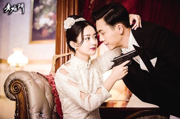 月12日12时40分讯(   )自《老九门》开播以来,陈伟霆和张艺兴两位