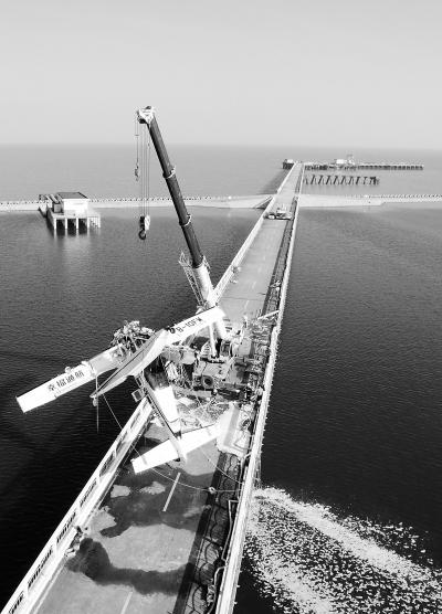 幸福通用航空一水上飞机撞桥5人遇难
