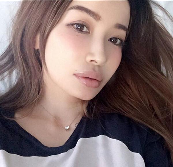 少女颜!日本45岁神童美照仿佛走红18岁性感(少女舞复古模特最时代图片