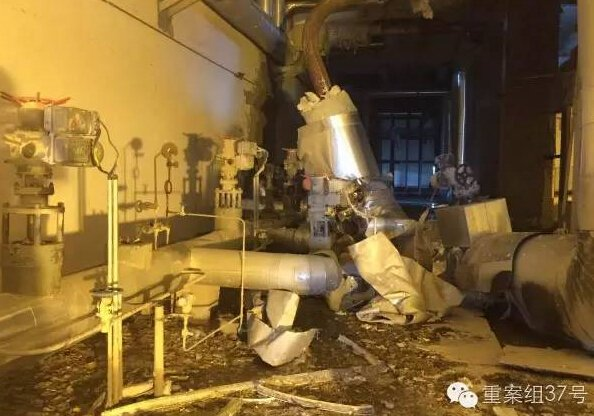 ▲8月12日上午的事故现场。新京报记者林斐然摄