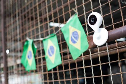 图2:小巧便携的360智能摄像机