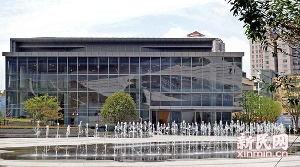 """图说:上海国际舞蹈中心历时四年封闭式""""打造"""",终于拉开了神秘面纱。新民晚报记者 郭新洋 摄"""