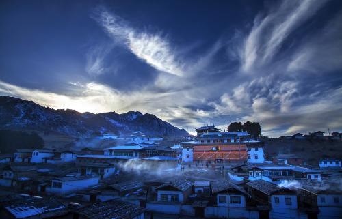 古老而神秘——格尔底寺  摄影:黄庆党
