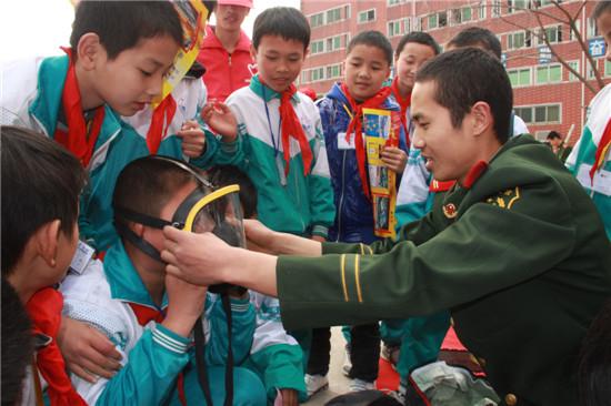 漳州消防官兵深入校园普及消防安全知识