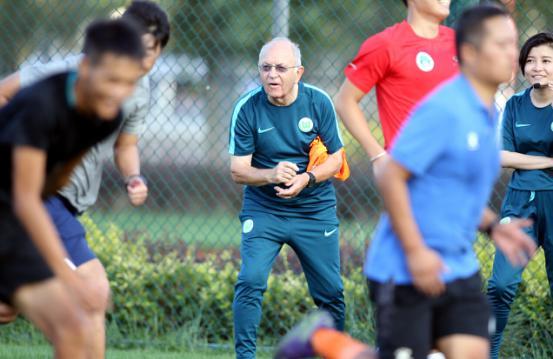 2016大众汽车青少年足球教练员培训班在大连