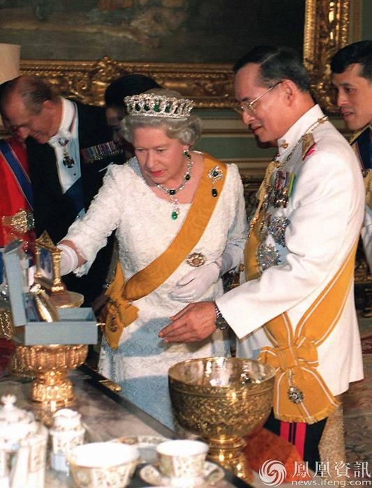 泰国国王普密蓬旧照