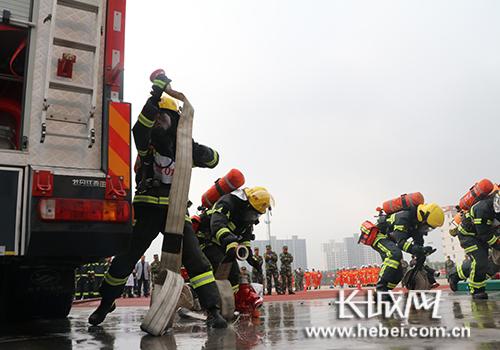 比武现场。图片由邢台公安年消防支队提供