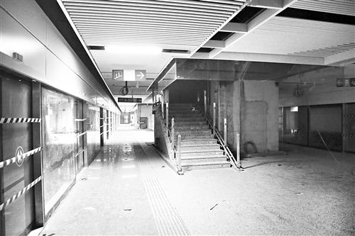▲屏山地铁站台已基本建好