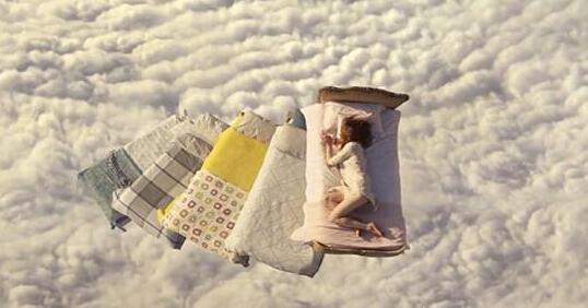 【小编说健康】睡觉减肥法 让你睡好还易瘦