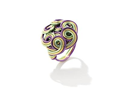 将国际创新元素融入珠宝设计与工艺中