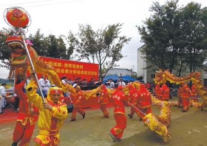 成都龙泉驿刘氏家族入川300余载 年年舞龙祭祖传家训