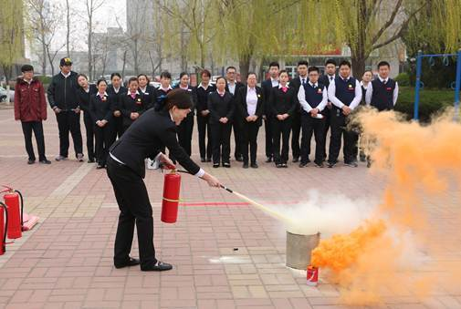 和平运行健康生长 滨州中福在线开展春季消防培训