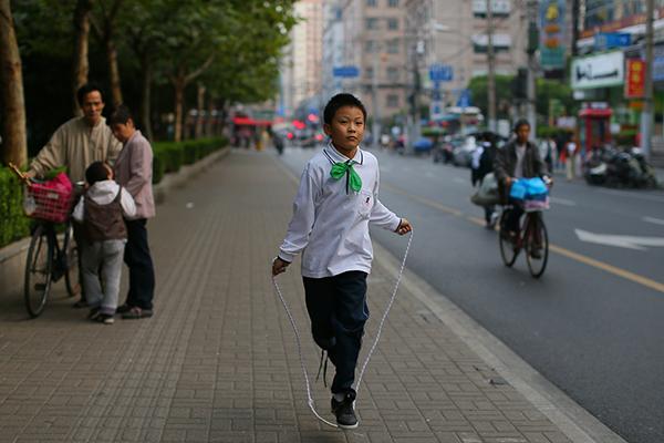 上海每所小学初中都将有体育评估报告,含学生