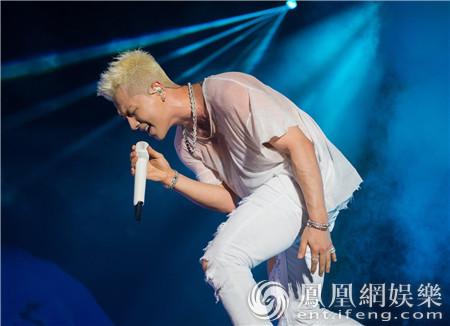 爆最强粉丝福利 BIGBANG成员太阳21日澳门开唱