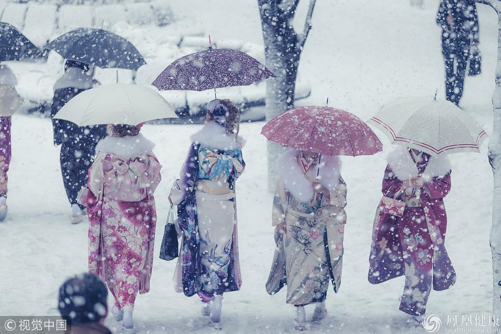 为什么日本的小孩冬天都穿很少?