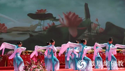 """2000年上海人口_2000万人竟靠5人守护?《但愿人长久》探秘""""隐形国门&rdqu"""