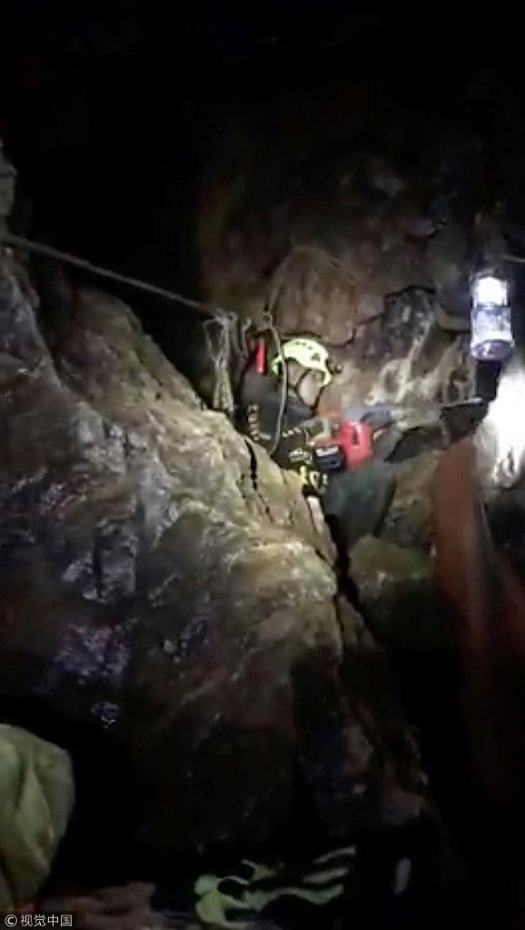 泰国媒体首次公开溶洞救援内景
