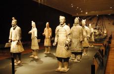 兵马俑手指被折 陕西省文物交流中心将追责并索赔