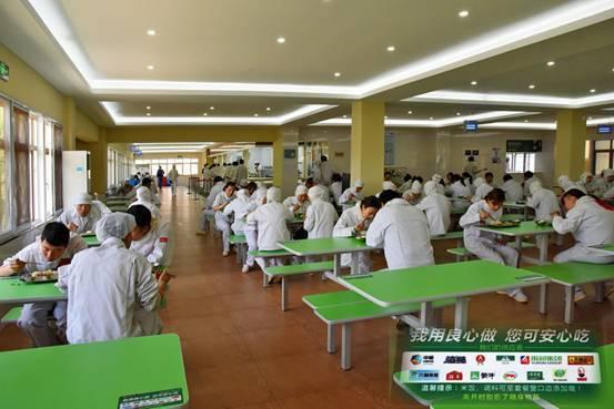 食堂承包行业符合现代餐饮需求在中国发展迅速