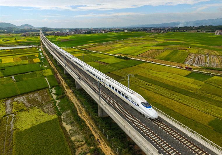 """《坐上高铁去北京》,唱出了""""高铁中国""""的青春与梦想."""