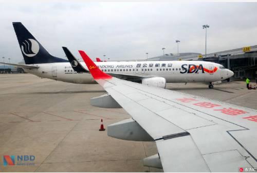 乘客坐飞机刷身份证就可登机了