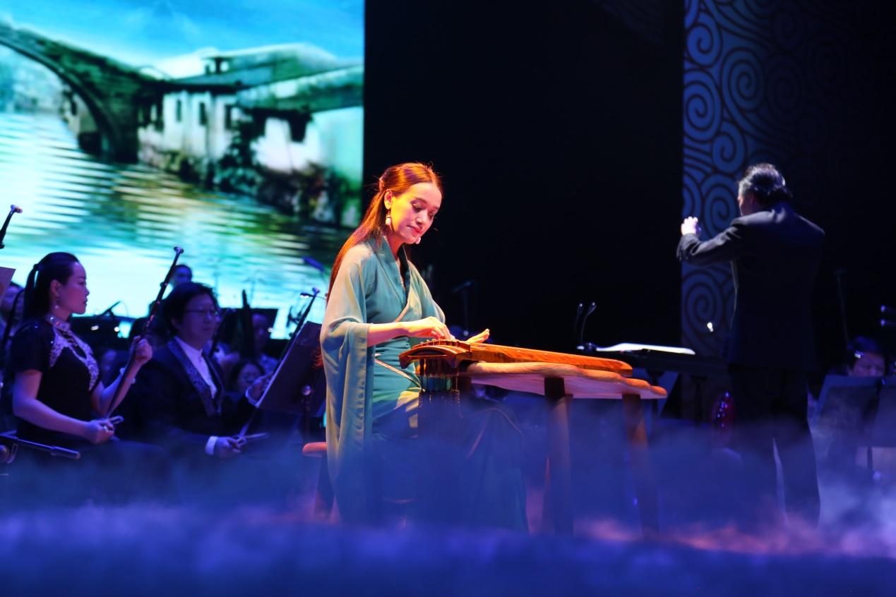 指挥张高翔,胡琴演奏家姜克美,古琴演奏家赵晓霞, 播音艺术家赵宝乐图片