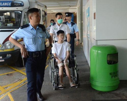15岁少年涉嫌持刀非礼继母 已被拘捕