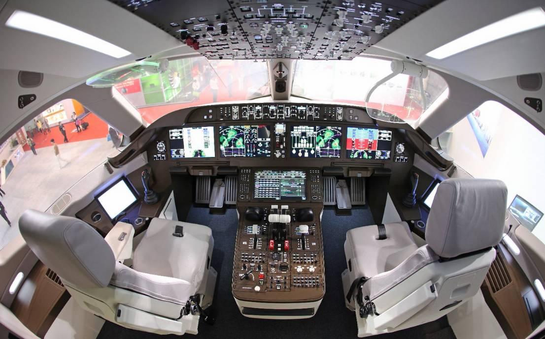 """座位数在50到110座左右,而干线飞机,也就是我们所说的""""大飞机"""",一般都"""