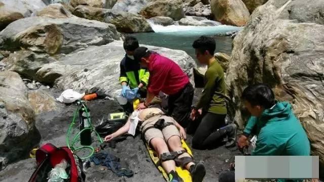 消防队长驰援发现溺亡者是女儿