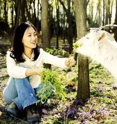 清华女博后当10年农民 姚晨都带娃去她农场(组图)