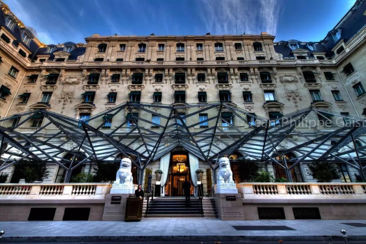 酒店除了半岛标志性的石狮和轰动欧洲的顶级中餐厅