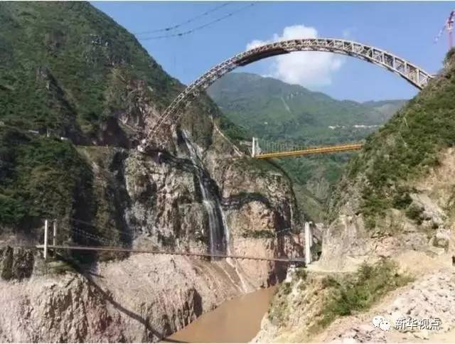 中国最难隧道:工期5年延到13年 26个月只掘进156米