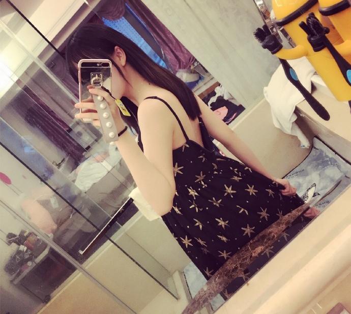 熊猫女神南波儿回归直播? 网友:再来个短裙倒立吧