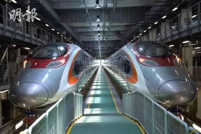 中车生产香港高速列车抵港 林郑月娥试坐点赞(图)